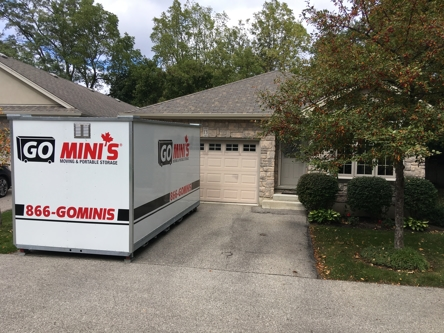 Go Mini's SW Ontario storage container in driveway